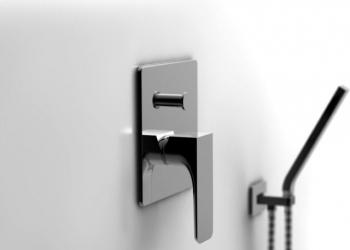 mitigeur de douche avec garniture de douche sur Gorge Steinberg